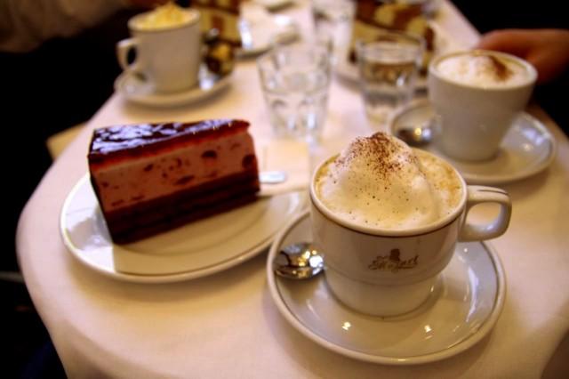 Кафе «Моцарт» (Cafe Mozart)