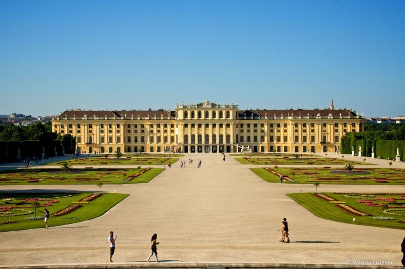 Панорама дворца Шёнбрунн