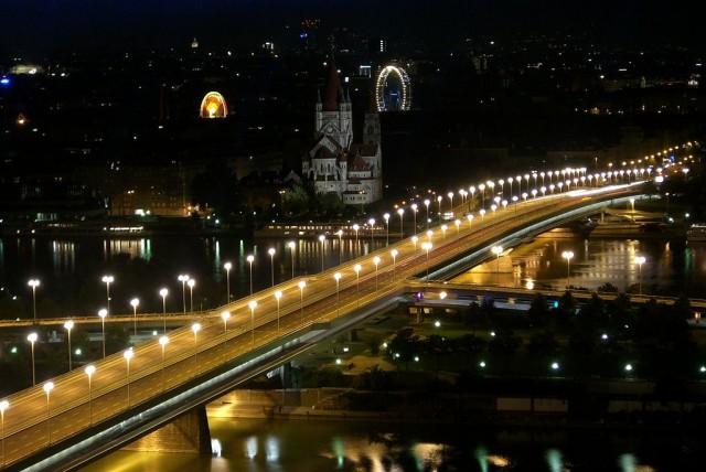 Мост Райхсбрюке (Reichsbrücke)