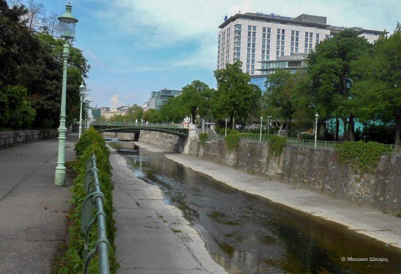 Набережная реки Вена