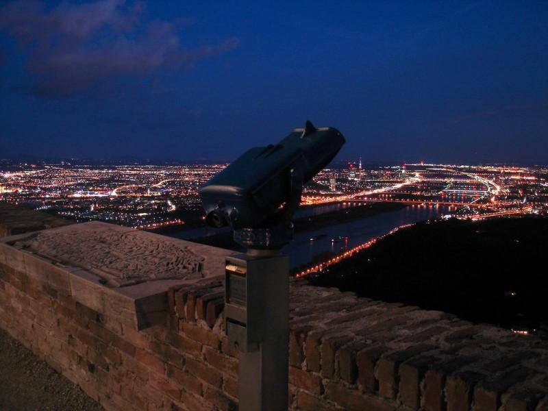 Ночная Вена, вид с горы Леопольда