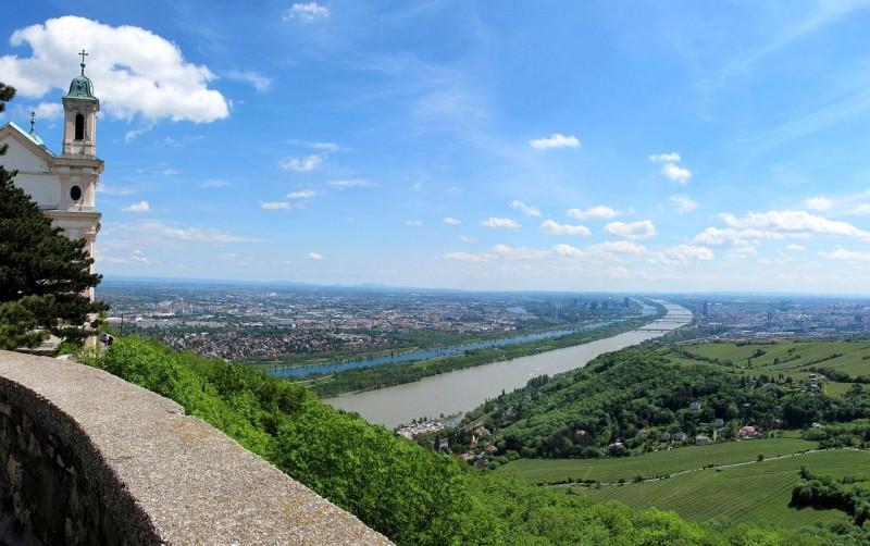 Панорама, открывающаяся с горы Леопольдсберг