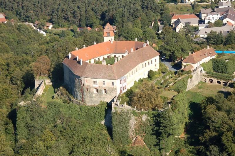 Замок Берштайн (Burg Bernstein)