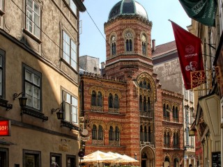 Греческая православная святилище Святой Троицы на Вене
