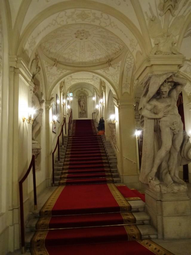 Парадная лестница работы Матиелли