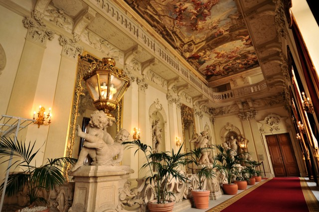 Интерьер дворца Кински