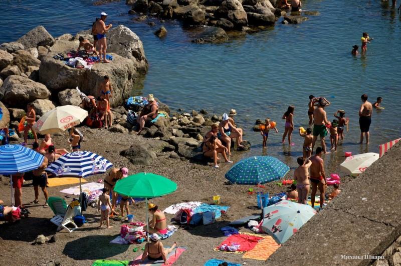 Первая остановка у какого-то пляжа