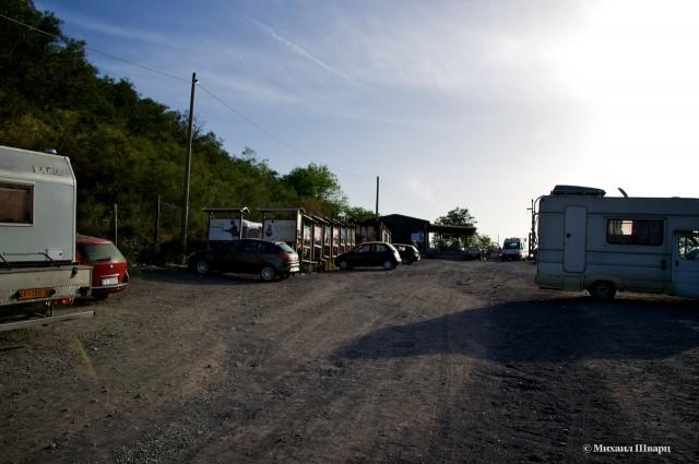 Большая бесплатная парковка около Везувия
