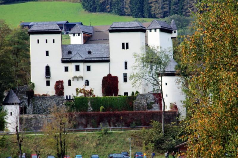 Замок Гольдег (Schloss Goldegg)