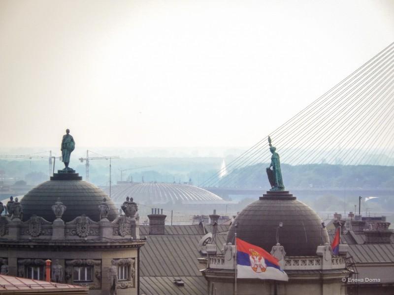 Вид из окон здания «Београджанка», с 6 этажа, всего 24 этажа