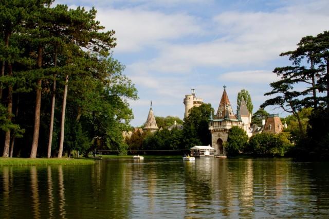 Дворцово-парковый ансамбль Лаксенбург
