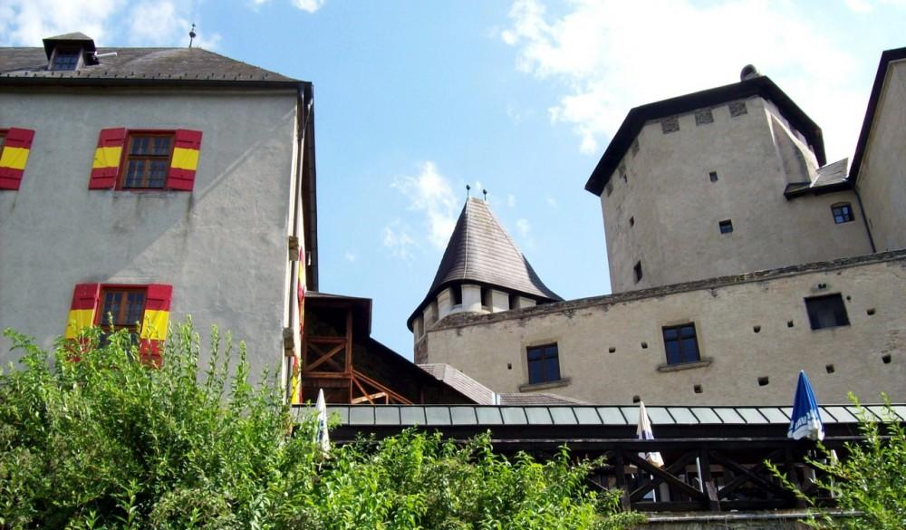 Локкенхаус - последний рыцарский замок Австрии
