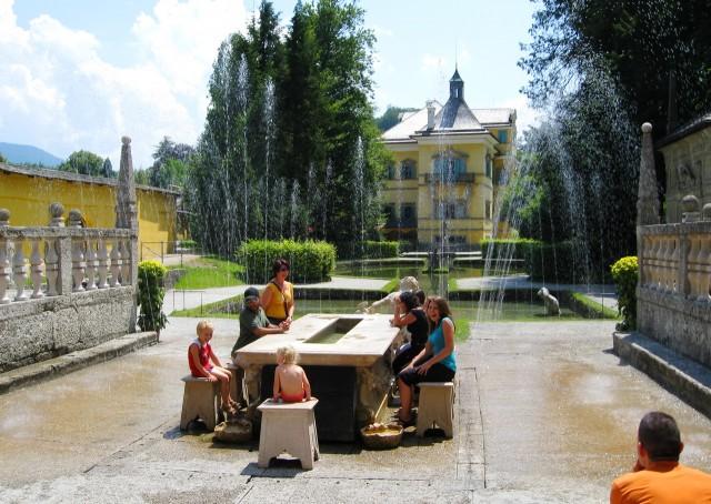 Хельбрунн и  потешный фонтан