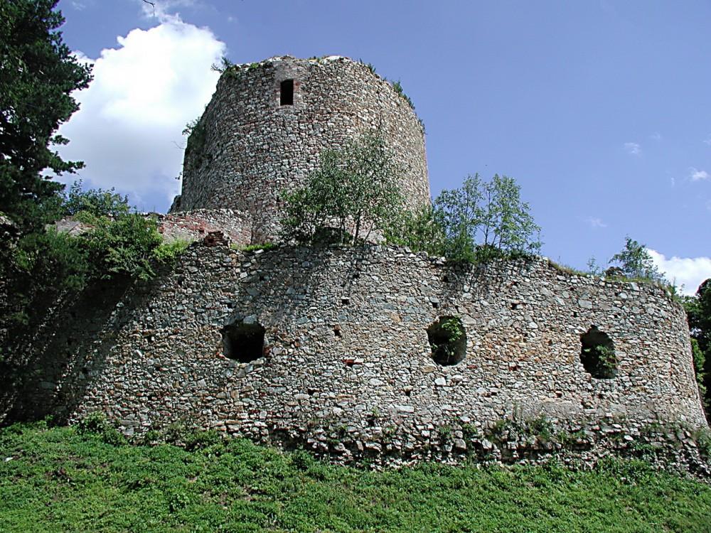 Руины крепости Ландзее