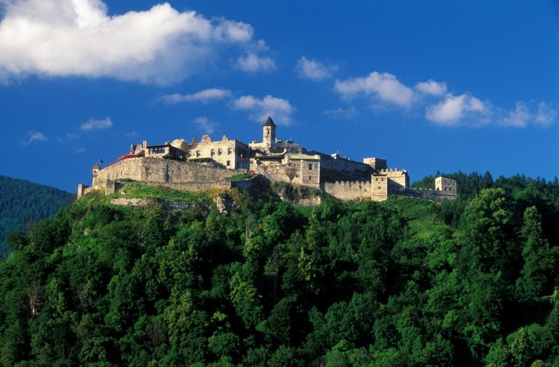 Замок Ландскрон (Burg Landskron)