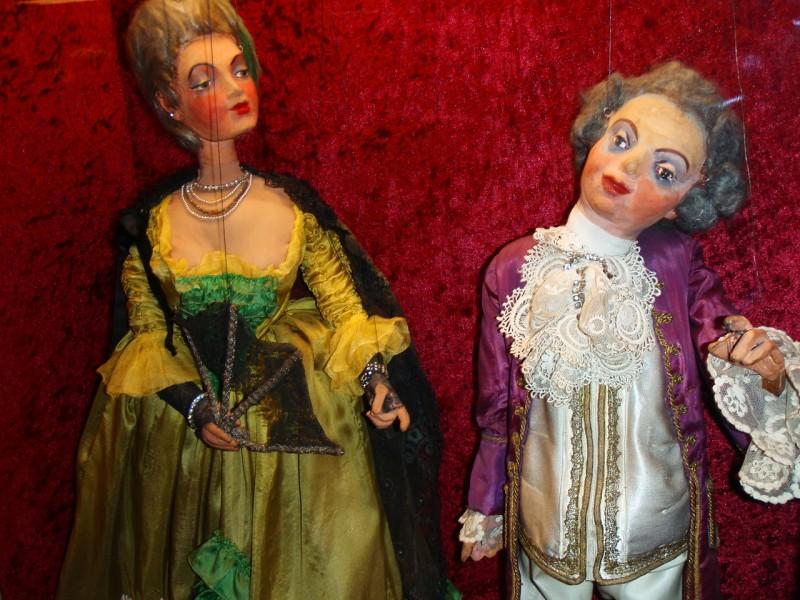 Опера Моцарта в исполнении кукл