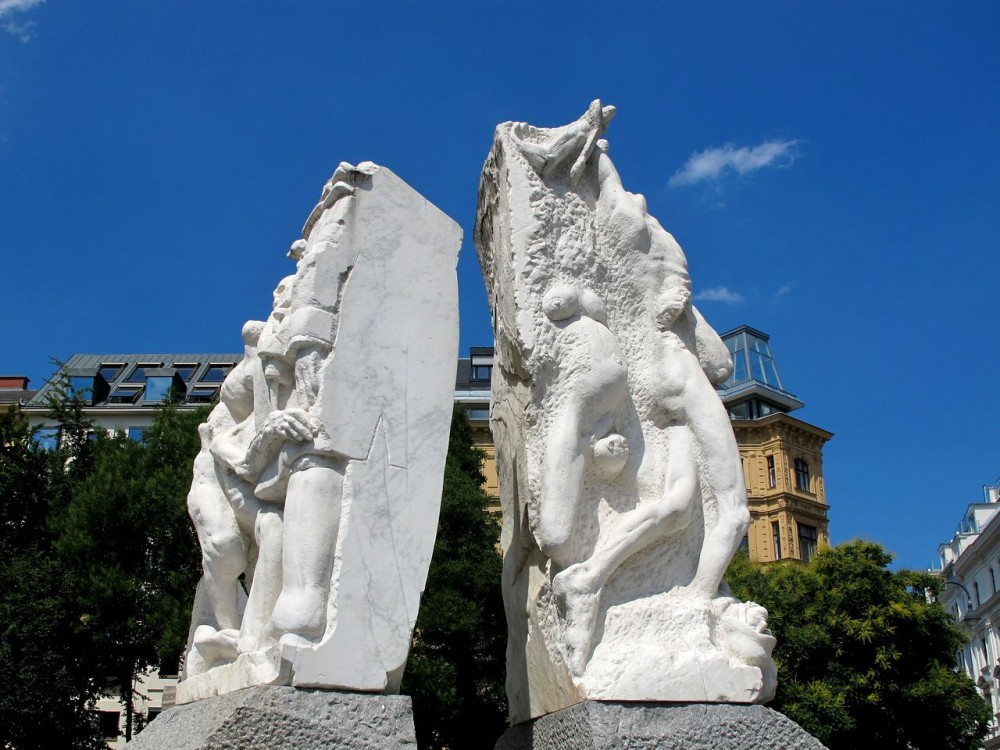 Мемориал против войны и фашизма (Mahnmal gegen Krieg und Faschismus)