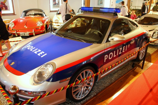 Полицейское Porsche