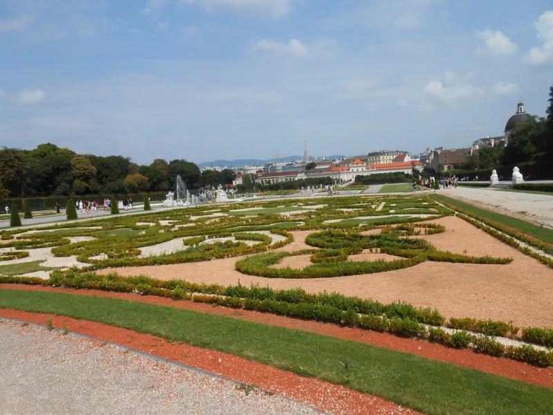 Вид на Вену от Верхнего Бельведера