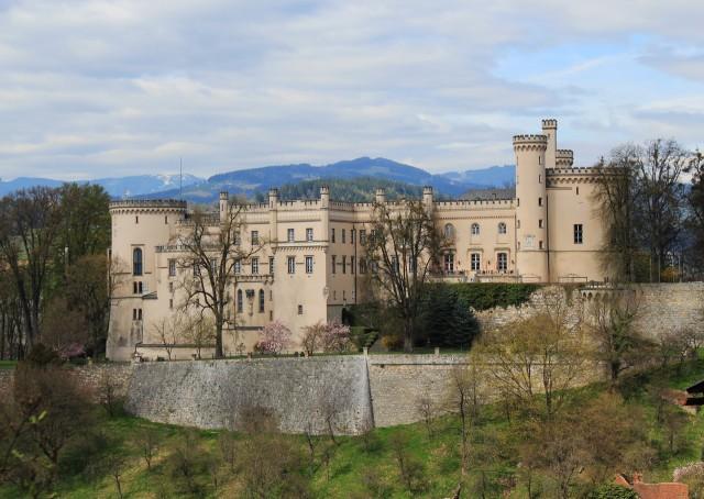 Замок Волчья гора (Schloß Wolfsberg)