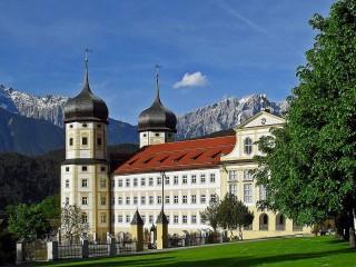Цистерцианский монастырь Штамс