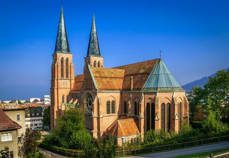 Церковь Святейшего Сердца (Herz-Jesu-Kirche)