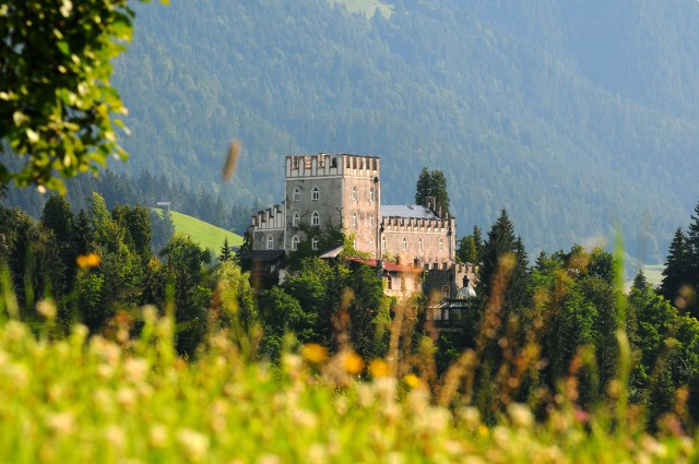 Замок Иттер (Schloss Itter)