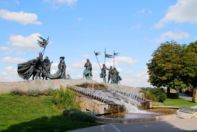 Скульптурная композиция «Песнь о Нибелунгах»