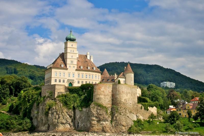 Замок Шёнбюэль (Schloss Schönbühel)