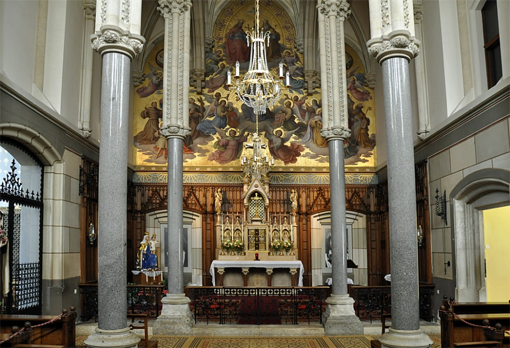 Интерьер церкви монастыря в неоклассическом стиле