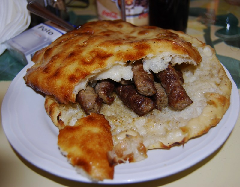Чевапчичи - блюдо национальной кухни