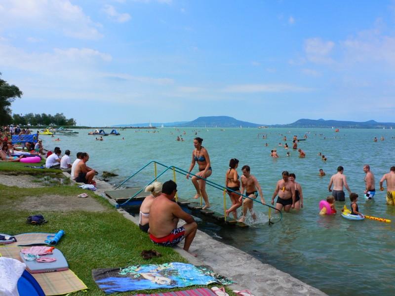 Пляж на озере Балатон