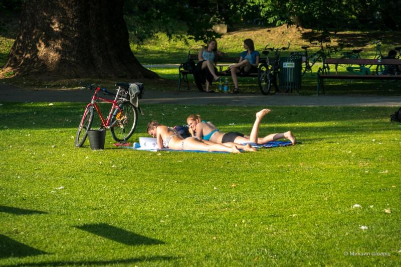 Дамы с велосипедом