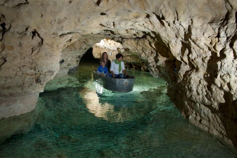 Пещера Лоци