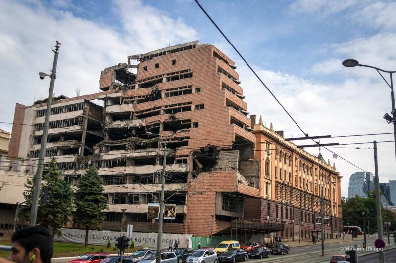 Разбомбленное здание