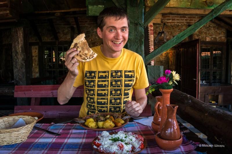 Какой же вкусный хлеб в Сербии!