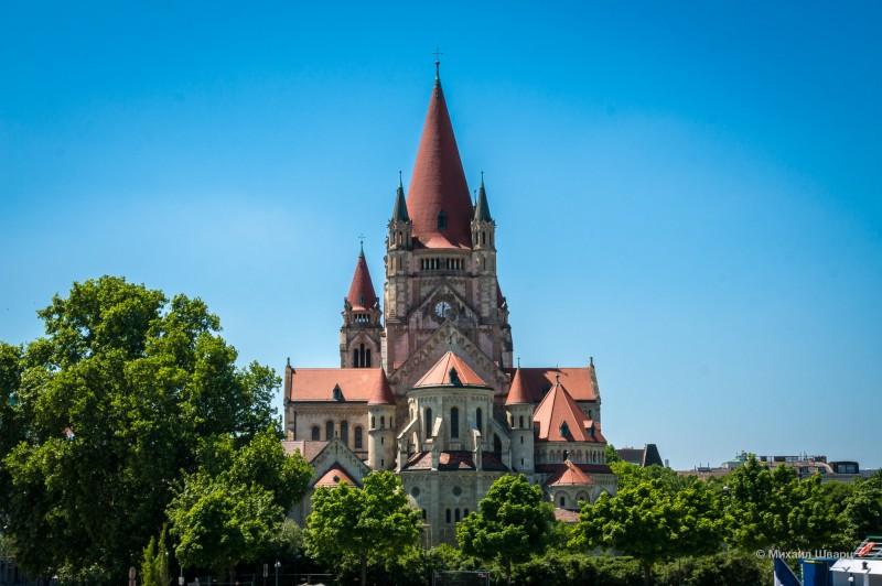Церковь Святого Франциска Ассизского в Вене