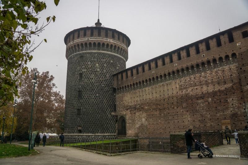 Дошли до замка Сфорца
