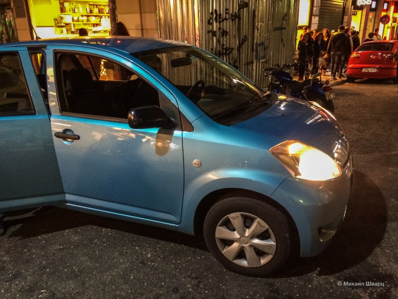 Такси Uber очень несолидное в Афинах