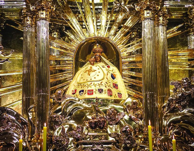 Статуэтка Богородицы - «Великая Мать Австрии»