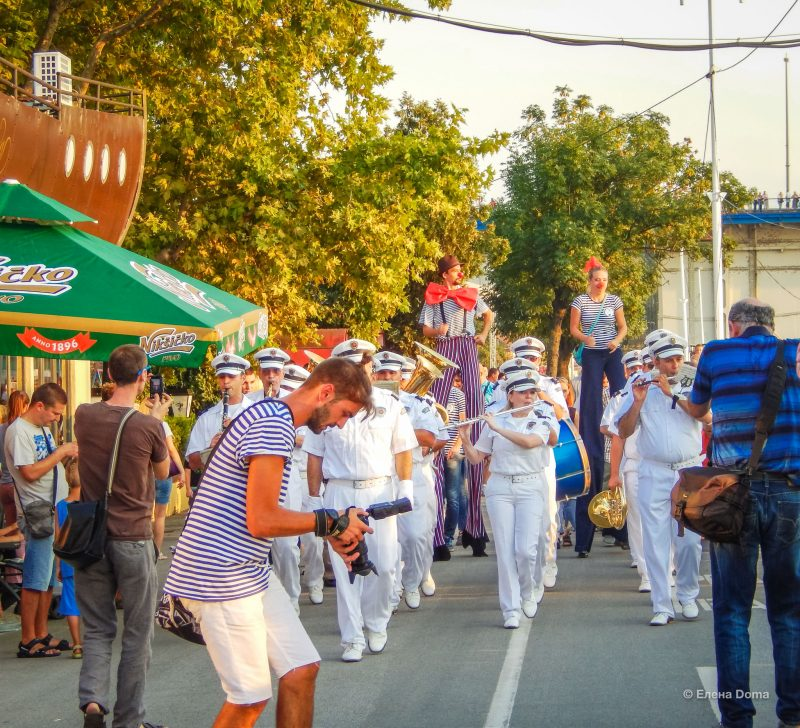 Оркестр полиции на Карнавале корабликов