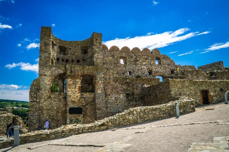 Руины Среднего замка