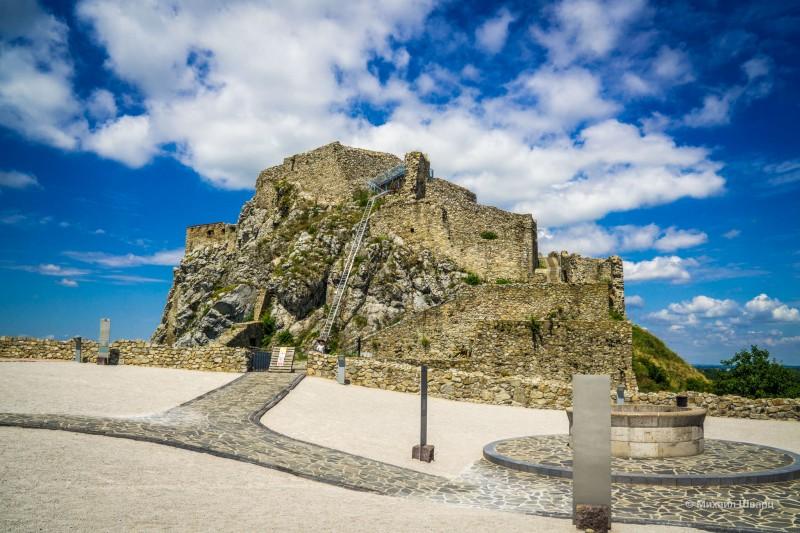 Самая старая часть замка - Верхний замок
