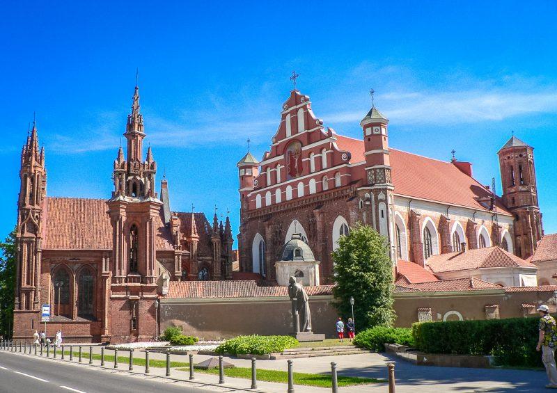 Храм Святой Анны и Церковь св. Франциска Ассизского