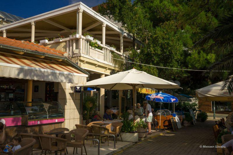 Ресторан в Рафаиловичах
