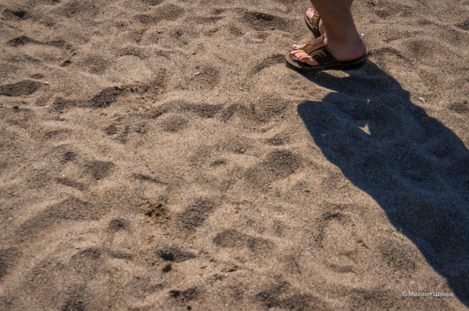 Песок на пляже Лучице