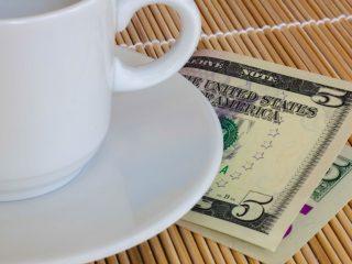 Как давать чаевые в США