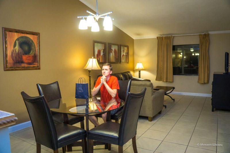 Сарасота, Сиеста-Ки, Тампа и енотики, Kissimmee и отельная секта. 33