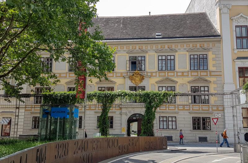 Дворец Порчиа (Palais Porcia)