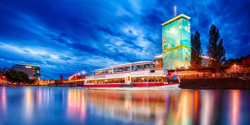 Часовой круиз по Дунайскому каналу в Вене
